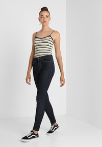 Vero Moda - VMSOPHIA - Jeansy Skinny Fit - dark blue denim/rinse - 2