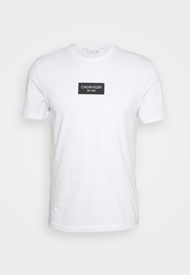 CHEST BOX LOGO - T-shirt print - white