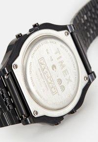 Timex - T80 PAC MAN UNISEX - Digital watch - black - 3