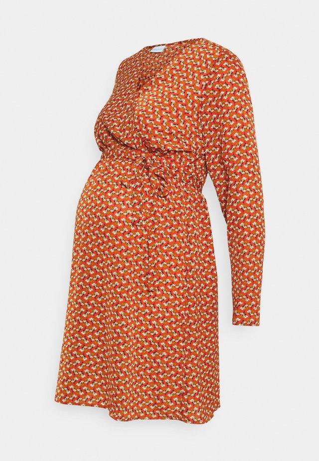 MLZIZI DRESS - Jerseyklänning - rooibos tea/ green/black/snow