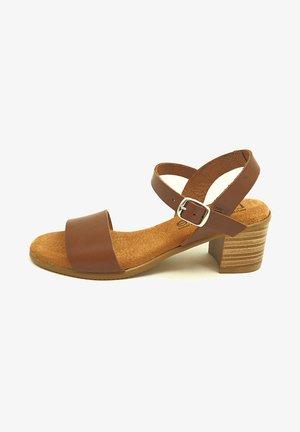 GRETA  - Sandalias - brown