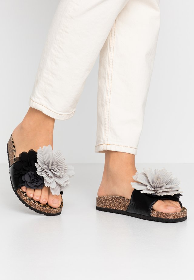 BIO WIDE SOLE MULTI FLOWERS - Mules - black