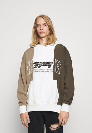 OVERSIZED BRAND 3 PANEL HOOD - Sweater - taupe