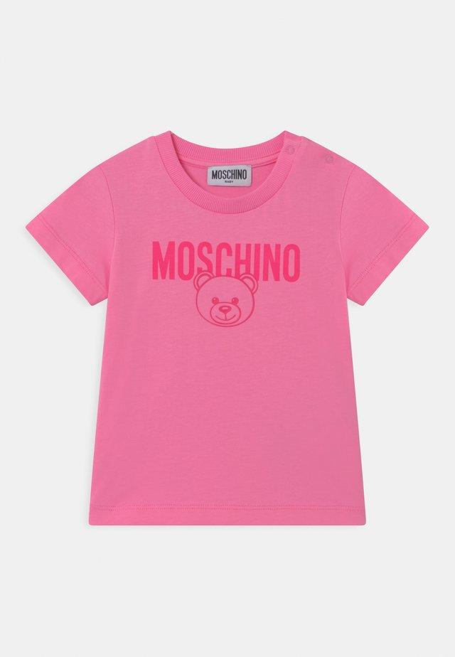 UNISEX - T-shirt imprimé - begonia pink