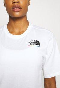 The North Face - RAINBOW TEE - Print T-shirt - white - 5