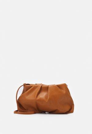 RUTH - Across body bag - cognac