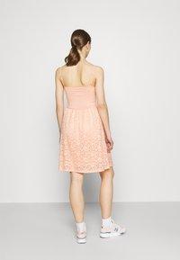 ONLY - ONLNEW ALBA SMOCK MIX DRESS - Koktejlové šaty/ šaty na párty - peach melba - 2