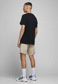 Jack & Jones - Shorts - white pepper - 2