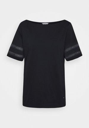 VERA REGULAR BOAT - T-shirts basic - desert sky