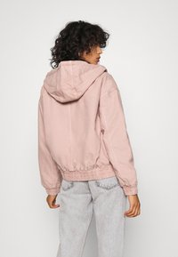BDG Urban Outfitters - SKATE HOOD JACKET - Light jacket - pink - 2