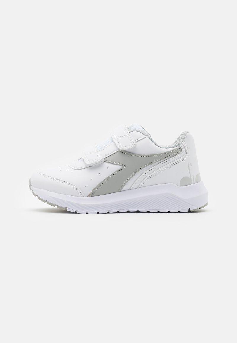 Diadora - JR UNISEX - Neutral running shoes - white/silver
