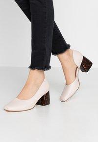 Matt & Nat - PIKOSA - Classic heels - nude - 0