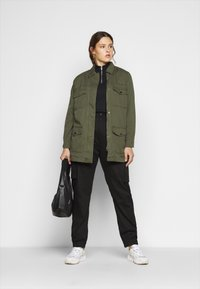 New Look Curves - LOTUS BELTED SHACKET - Summer jacket - khaki - 1