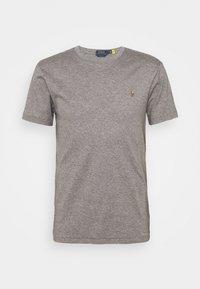 metallic grey heather