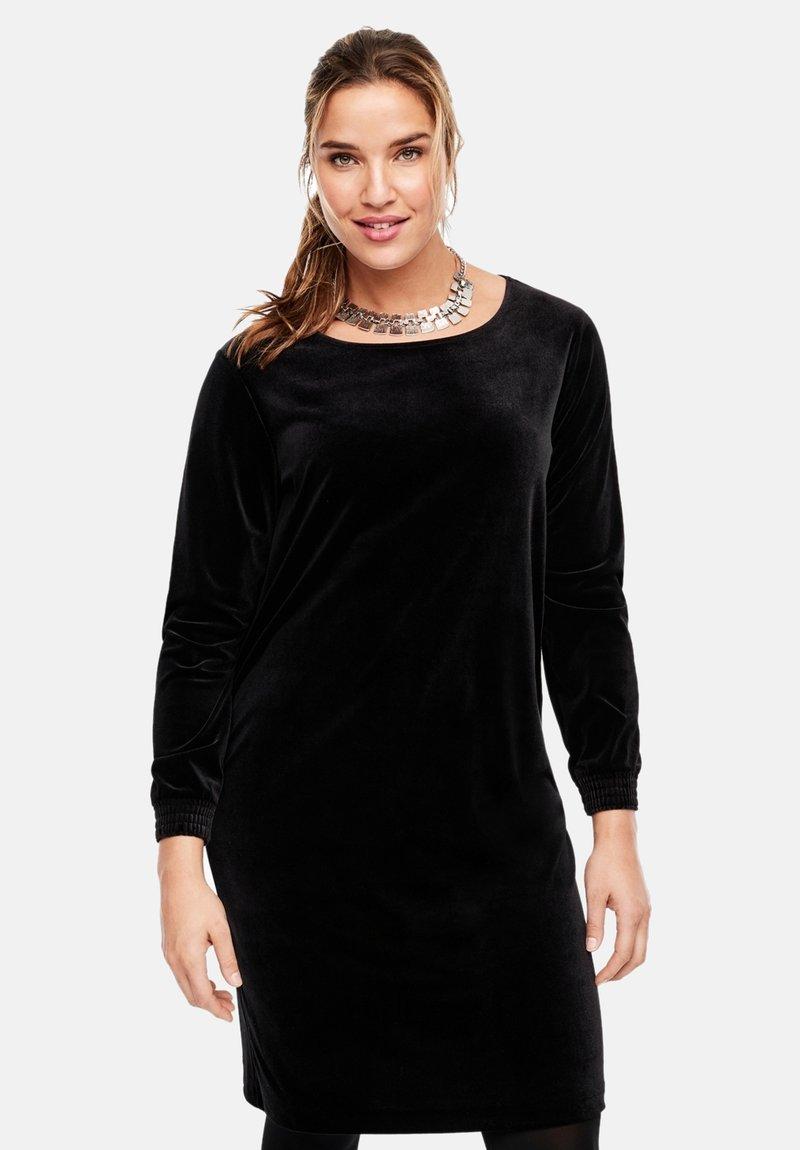 Triangle - MIT BÜNDCHEN - Day dress - black
