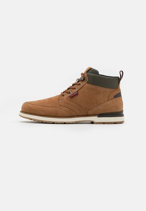 OUTDOOR CORPORATE MIX BOOT - Lace-up ankle boots - natural cognac
