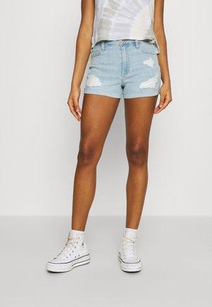CURVY DEST - Denim shorts - light-blue denim