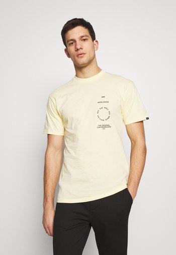 DISTORTION TYPE - Print T-shirt - double cream