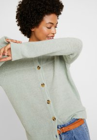 Cream - LUANA CARDIGAN - Cardigan - soft green - 3