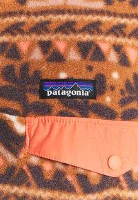 Patagonia - SYNCH SNAP - Fleecepaita - mangrove/henna brown - 4