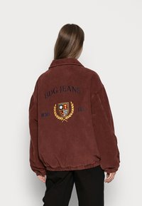 BDG Urban Outfitters - CREST BILLY JACKET - Lett jakke - burgundy - 2