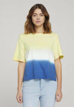 DIP DYE TEE - Print T-shirt - yellow/blue