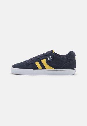 ENCORE  - Skateschoenen - navy/yellow