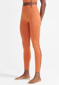 Superdry - Leggings - Trousers - autumn leaf - 0