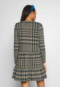 JDY - JDYBRIENNE DRESS - Robe pull - deep teal/travatine check - 2