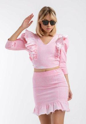 BUTTERFLY SET– SKIRT + BLOUSE - Spódnica jeansowa - pink