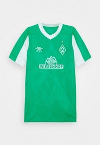 Umbro - WERDER BREMEN HOME UNISEX - Club wear - golf green/brilliant white - 0