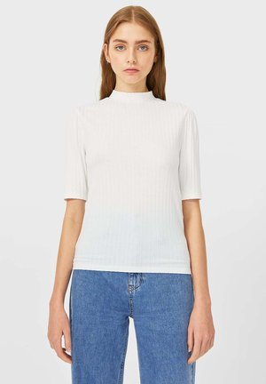 MIT GERIPPTEM STEHKRAGEN - Bluse - white
