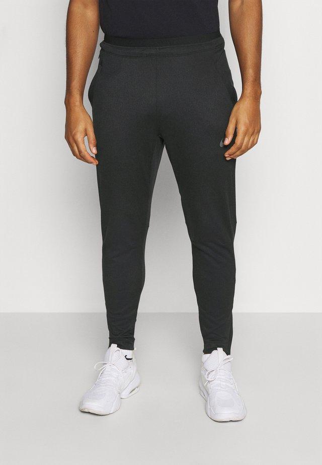 PANT CAPRA - Trainingsbroek - black/iron grey