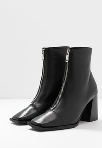 Topshop - HEIDI ZIP BOOT - High heeled ankle boots - black - 4