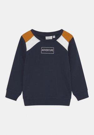 NMMKINSLEE - Sweater - dark sapphire