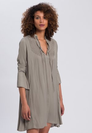 Day dress - reed