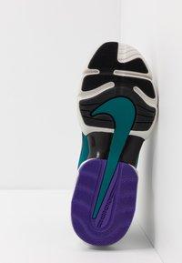 Nike Performance - AIR MAX ALPHA SAVAGE - Obuwie treningowe - light bone/black/geode teal/voltage purple - 4