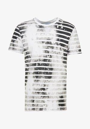 JORPLOP TEE CREW NECK - Printtipaita - white