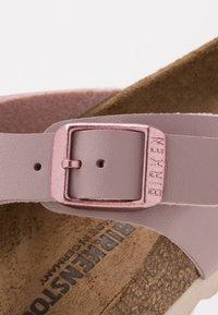 Birkenstock - GIZEH - Sandály s odděleným palcem - mauve - 2