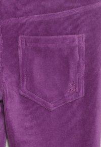 Benetton - TROUSERS - Pantaloni - purple - 4