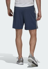 adidas Performance - DESIGNED TO MOVE SPORT 3-STREIFEN  - Pantalón corto de deporte - blue - 1
