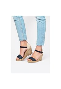 Eva Lopez - High heeled sandals - Azul - 3