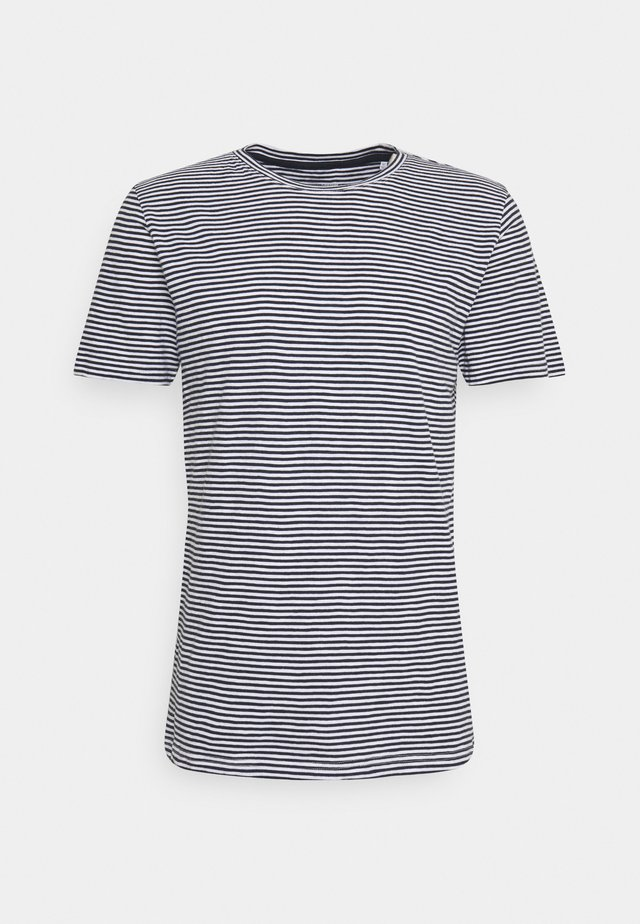 ALDER NARROW STRIPED TEE - Triko s potiskem - total eclipse