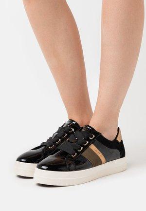 AVONA - Zapatillas - black