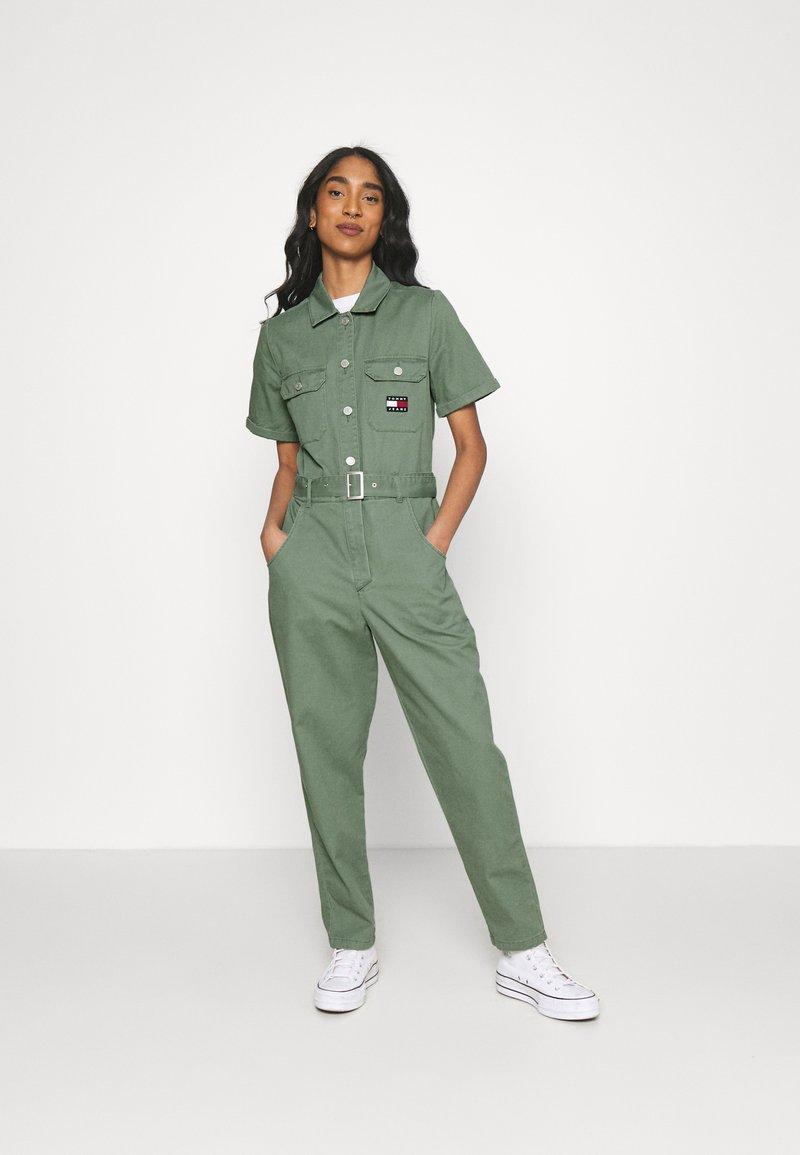 Tommy Jeans - BOILER SUIT - Jumpsuit - desert olive