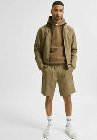 Selected Homme - Shorts - capers - 4