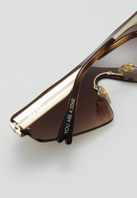 VOGUE Eyewear - SIZE 29 - Solbriller - gold-coloured/brown - 2