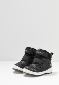 Viking - HERO GTX - Hiking shoes - black/charcoal - 3