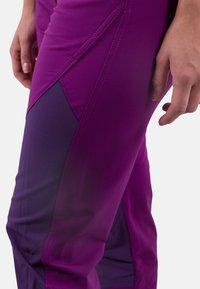 IZAS - Tracksuit bottoms - purple/dark purple - 4