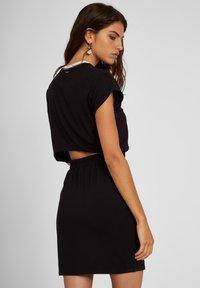 Volcom - SIIYA DRESS - Jersey dress - black - 3
